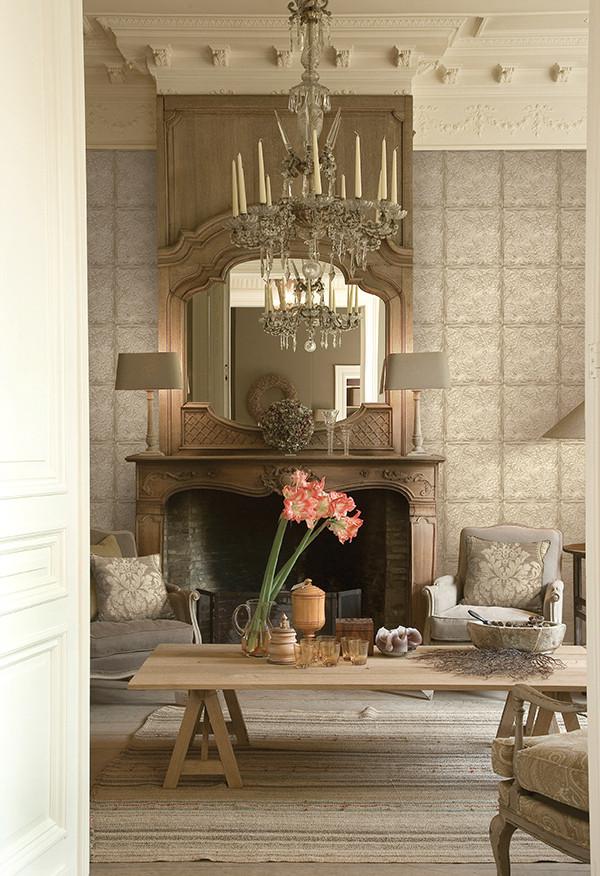 《薇.卡纳》系列,适合装饰客厅、卧室等房间。产品大量的融入了文艺复兴时期佛罗伦萨画派的特点,吸收了古希腊、古罗马的雕刻手法应用到绘画上,增加了墙纸的透视和明暗效果。图片有格莱美墙纸提供。