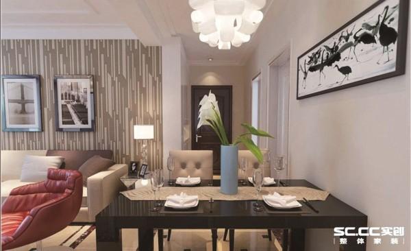 餐桌首先是一个提升室内品味的区域,餐桌上的饰品直接影响主人品味