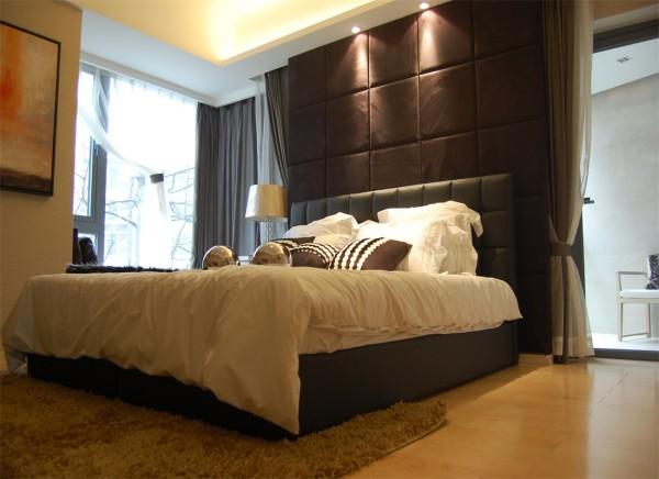 卧室全貌一角,卧室沙发背景为铺垫