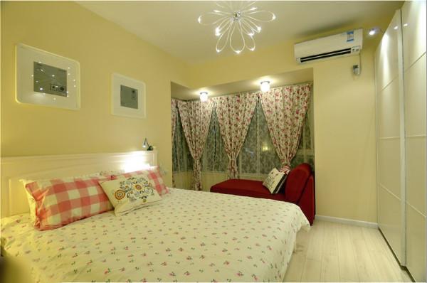 保利花园毛坯房实创装修的,晚上的卧室