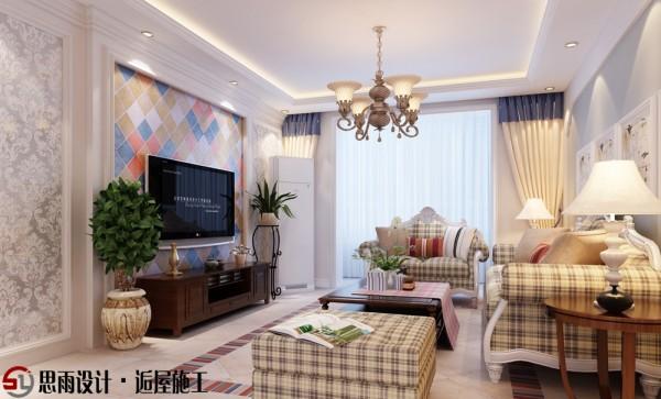 客厅作为待客区域,一般要求简洁明快,同时装修较其它空间要更明快光鲜,通常使用大量的石材和木饰面装。该套家居整体空间以白色为主,墙面上颜色丰富的仿古花砖让空间活灵活现。