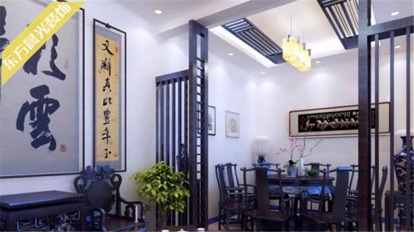 中式风格的别墅室内装修注重细节,每一处的装修装饰都是经过精细的测量、设计、和布局,用中式元素来装饰和组合成舒适自在、清雅别致的生活居住空间。
