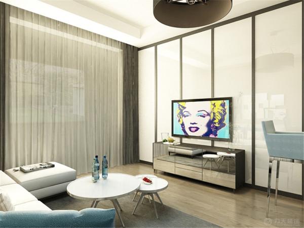 本次的设计风格是港式风格。客餐厅通铺的木地板,墙面刷的咖色的乳胶漆,吊顶是跌级的吊顶。电视背景墙做的石膏板加木边框的造型,沙发选择了浅色的L型沙发。