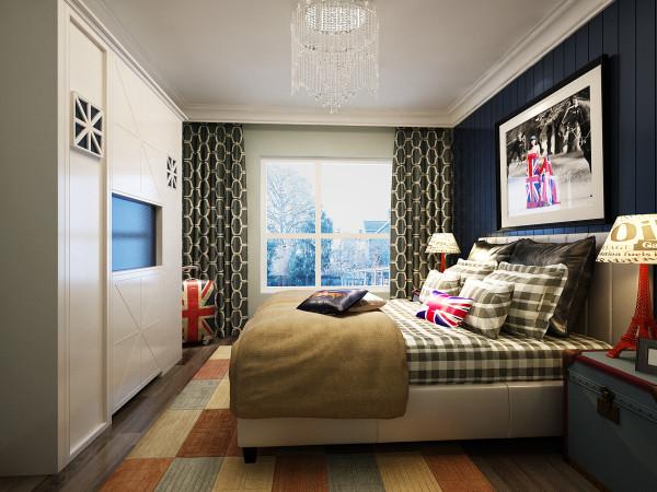 主卧室背景色定义为冷色,通过床品窗帘以及画品的搭配,来达到一个比较好的效果。
