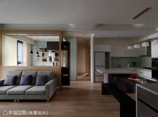 透过开放式的空间规划和设计,让30坪的空间明亮开阔,创造出自由流畅的动线。