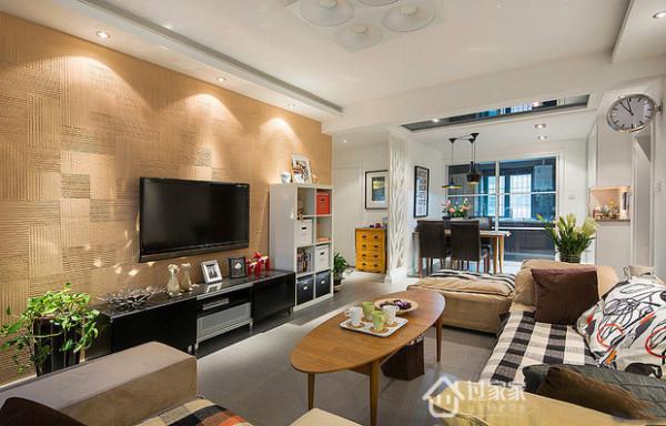厨房餐厅客厅一体化,让仅69平的小户型空间显得很大。