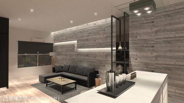 墙面上特别以一道黑玻铺陈,铁件层架框构出美学陈列处,精致的展示空间也成为客餐空间的分水岭。 (此为3D合成示意图)