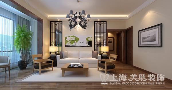 亚太明珠装修设计现代简约风格案例——3室2厅居室客厅沙发背景墙,沙发背景墙采取对称的装饰手法,两边采用中式雕花,背面灰镜衬底,用现代感的材质呼应中式风格。再配以现代中式的沙发家具,风格突显。