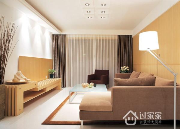 客厅背景墙设计师大量采用现代质感的饰面板和镜面。