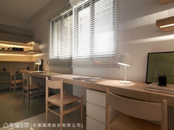呼应公领域的设计元素,利用温润木色铺陈安定氛围。