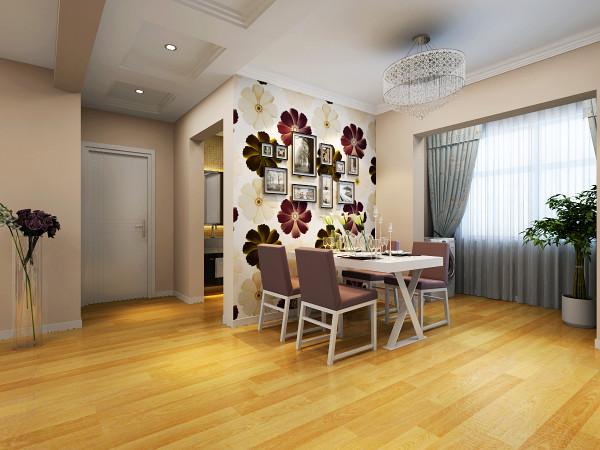 简单的顶面造型,墙面优雅的花朵壁纸以及线条简约的餐桌椅给人一种舒适温馨的感受,让人忍不住想要逗留。