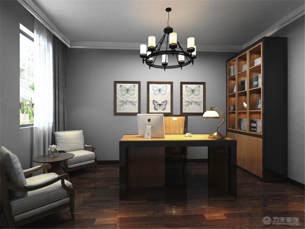 主卧室地面采用实木复合地板。床头背景墙使用了花纹壁纸。 搭配上暖黄色的灯光,让人感觉到温馨。整体打造了一个让人舒适的休息 空间。
