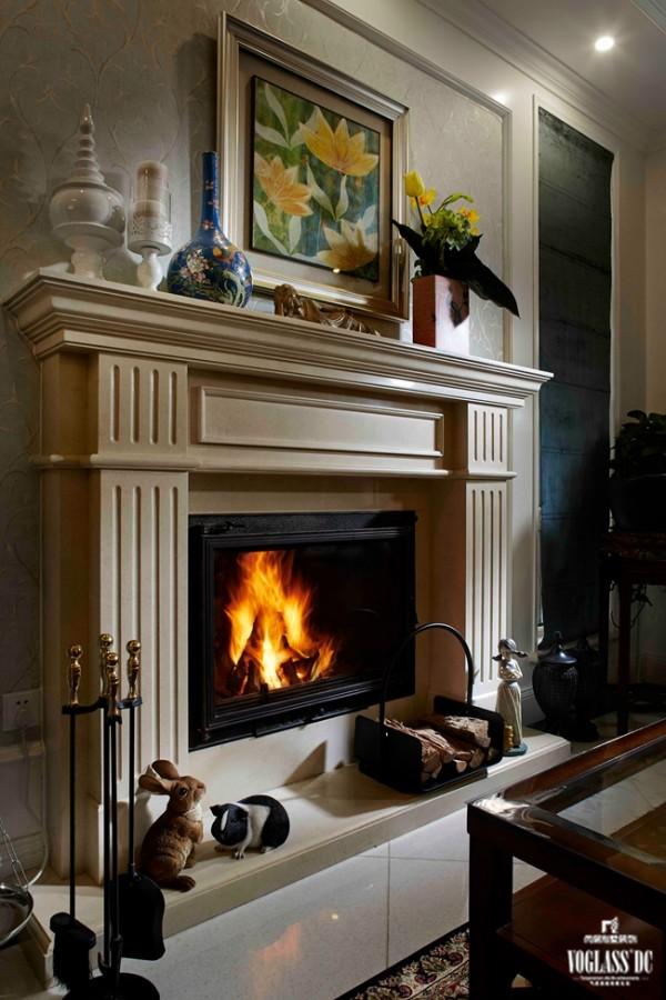 客厅的壁炉