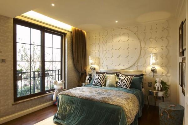 不同的墙面形状与空间设计,让卧室更加有独特到