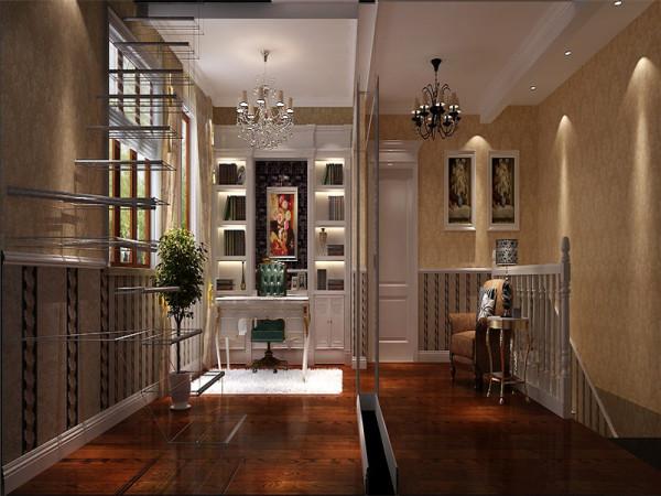 二层书房:以华丽、明亮的色彩,配以精美的造型达到雍容华贵的装饰效果。局部点缀绿植鲜花,营造出自然舒适的氛围。