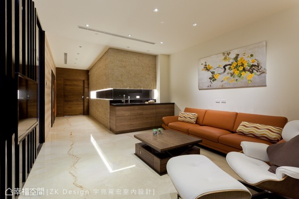 现代美型且机能充足的空间,以简洁的线条让立面清爽利落,也贴心地设置流理台供屋主泡茶使用。