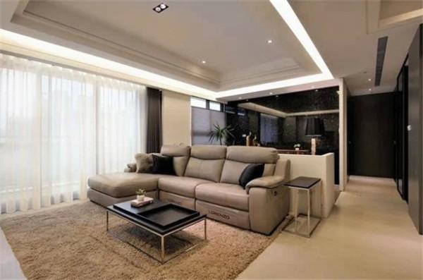 新颖的现代风格住宅,为年轻夫妻与5岁小朋友的居住空间,于黑白色调的空间中,巧妙掌握材质层次的转换与色彩比例,调和屋主偏好的沉稳内敛,与居宅的舒适感受。