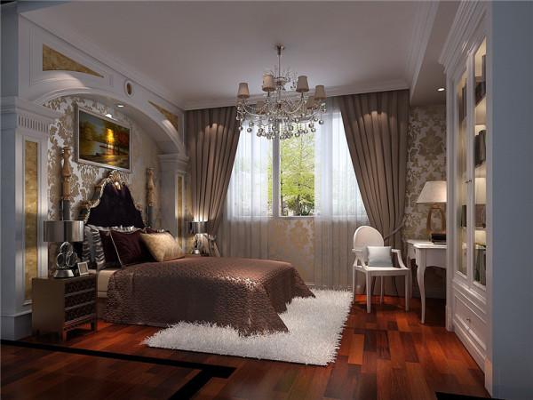 二层卧室:主要的家具、家纺和配饰都是以欧式风格为主,然后融入中国传统元素,有主有次地将中西元素结合在一起,从而形成中西合璧的完美混搭。
