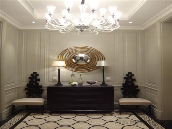 门厅讲究整体和谐,追求古典的庄重和雄浑。
