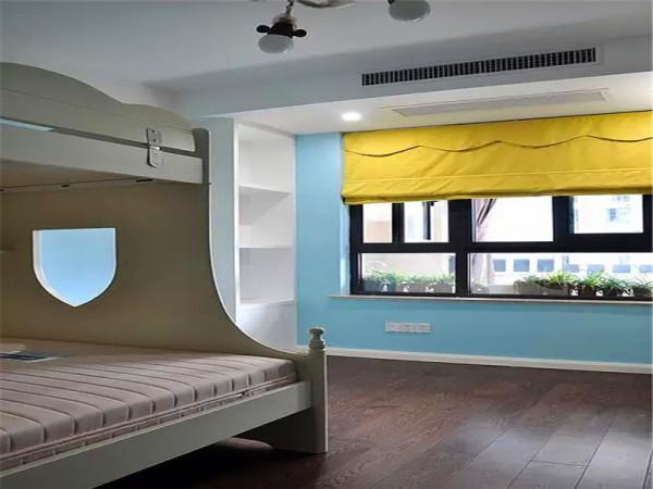 浅蓝色的儿童房.