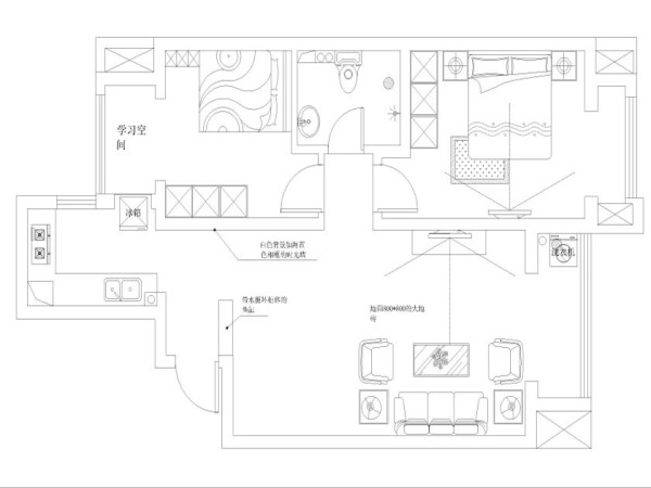 整个立体形式都与有条不紊的、有节奏的曲线融为一体。对于两居室的房间,空间的功能性尤为重要,次卧设计成上下铺