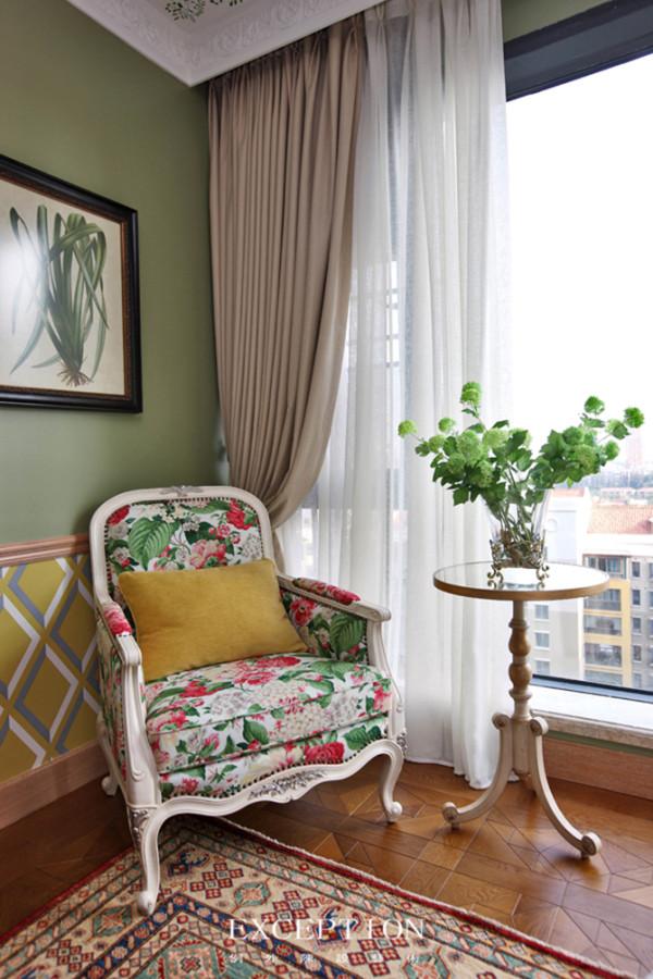 NO.3:华丽纱幔:如何打造出东南亚风格中独有的清雅、飘逸的气氛?选用一款华丽的纱幔,运用在家中的窗台或者隔断处也别有一番风情!