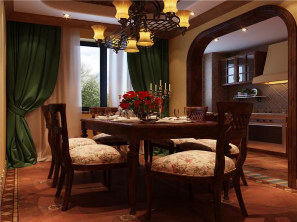 原木材质的餐桌有古典味道,适合不常居住的第二居所和朋友聚会之用。布艺是乡村风格中非常重要的运用元素。