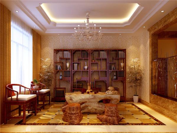 以华丽、浓烈的色彩配以精美的造型达到雍容华贵的装饰效果。
