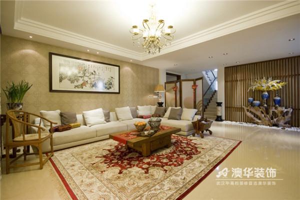 本案采用新中式风格,在整体家居设计中,提取了传统中式的家居韵味,又融入了现代生活符号,以合理的搭配和布局完美呈现出一个理性而内蕴丰厚的东方情调家居。