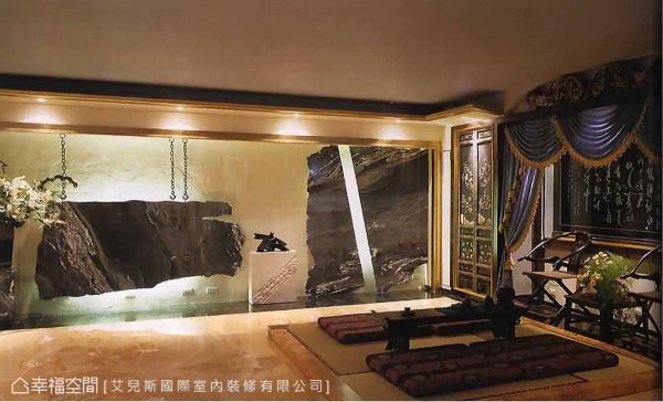 艾儿斯国际室内装修透过石材和艺术雕像的展演,在对比的视觉效果中,围塑出如中国水墨画的群山意境。