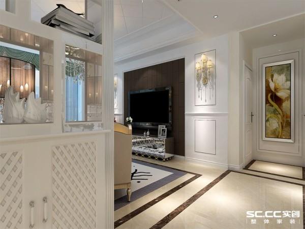 沙发背墙的精工处理则是另一重赏心悦目的风景,同样以清爽优雅的象牙米白色系为基底。巧妙提升室内高度并强化空间的大器指数。