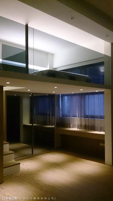 透过不同灯具安排,在楼层之间产生截然不同的光氛效果。