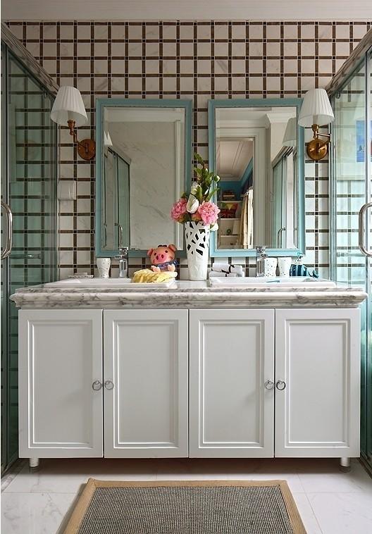 大大的洗面柜可以让二个人同时使用,早上洗漱你还会觉得拥挤吗?