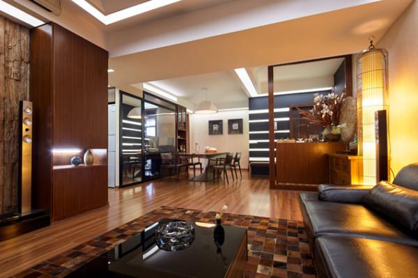 很多地方都是用玻璃做的门或者是隔断,扩宽了整个房间的视野