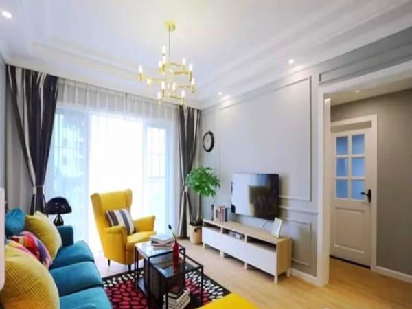 电视墙和所有墙面同样处理,不做过多造型设计。