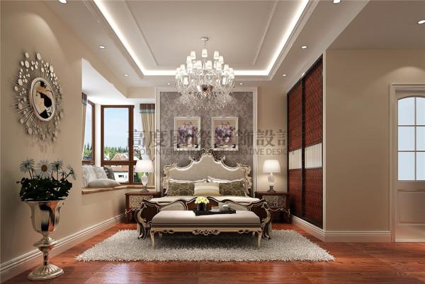 5、嵌入式衣柜的设计,由于衣柜空间大,大大节省了室内空间,并且可以随心所欲地定制样式、布局,设计理想的款式和风格。