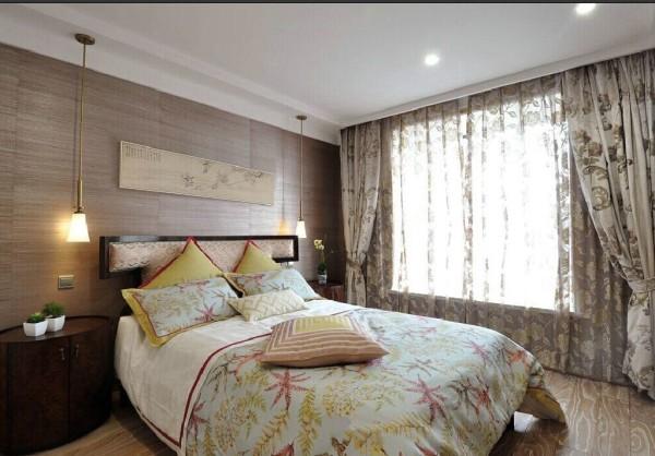 地板上墙,小碎花的后期配饰,带纹理的地板,时尚又有古典的味道。