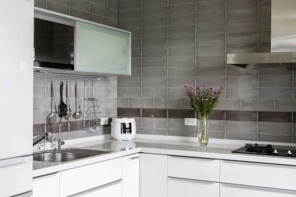 搭配来自日本的clean up厨具,与空间完美的融合出真实的况味。