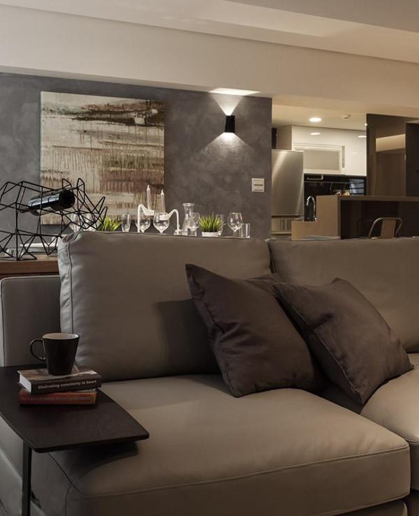 现代简约感的家具,侧边结合边桌小巧思,为生活增添悠然写意氛围。