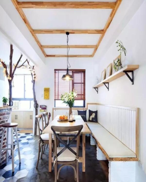 砖砌的卡座,搭配原木台面,实木餐桌椅,自然舒适的文艺范。