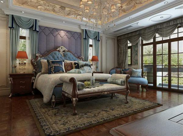 温情浪漫的欧式主卧室,采用局部墙纸和软包的结合,呈现大气与时尚的感觉并且不会觉得过时、不繁琐。