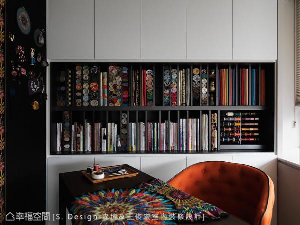斑斓华美的拼布的收纳柜,是经过精心的排列的组合,让女主人在拿取时更加便利,得以挥洒创意想象。