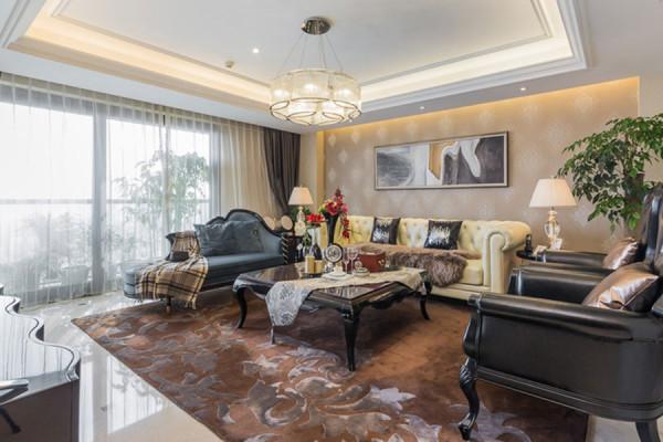 带花的咖啡色地毯奠定了客厅的整体基调,让落地窗内的空间顿时饱满起 来。