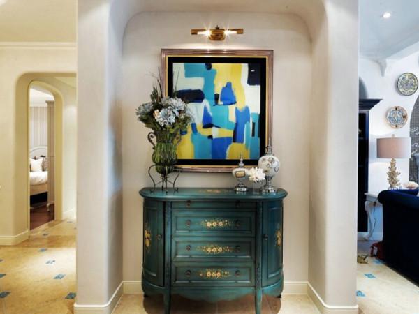 复古做旧的橱柜真是让人好心水,艺术家气息满满。