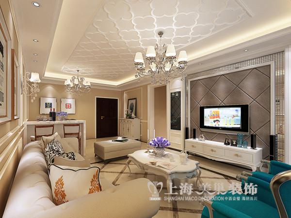 升龙天汇广场116平三室两厅装修简欧效果图——电视背景墙,线条造型流畅,色彩高尚优雅,整体色调暖色为主