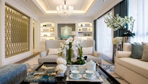 客厅:吊顶花式设计,为整个房间增加亮点。