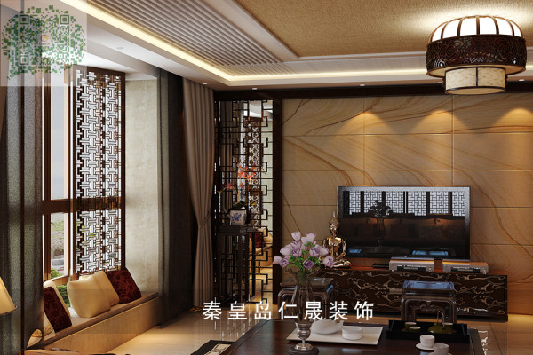 经典的青瓷灯具的装饰,中式吉祥和喜庆的物品及民间手工艺品等都别具风韵。