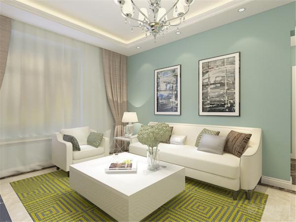 客厅的主色系以浅绿为主,奶白色的沙发和茶几,草绿色、棕色和银灰色的抱枕,以及与之呼应的单椅,都是围合在一个色系里,然后利用黄绿色的地毯,让整个空间更加跳跃。