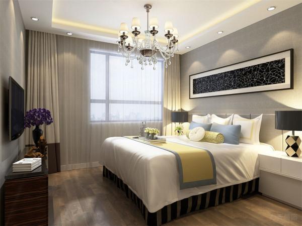 地面采用深色复合实木地板,顶面为回形吊顶,墙面为浅灰色壁纸,突出空间的现代感,同时使空间变得安逸舒适。
