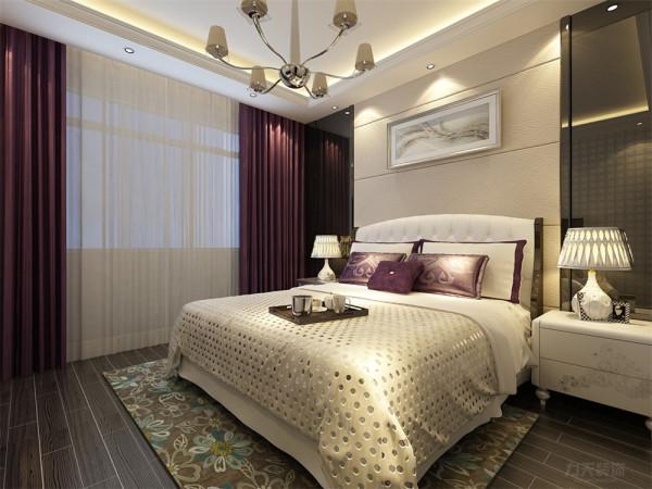 主卧室做的是灯池吊顶,明亮大方,相互呼应浑然一体,卧室的家具也是靠墙放置的增加空间,地板我用的是木质条纹地板。
